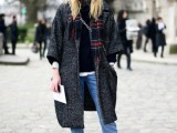 15 Stylish And Excellent Ways To Wear a Plaid Scarf8
