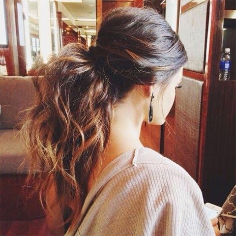 Stylish Ways To Wear Low Ponytails