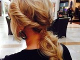 15 Stylish Ways To Wear Low Ponytails