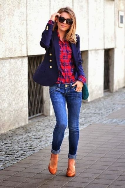 Picture Of Ways To Wear Checked Clothes At Office 10