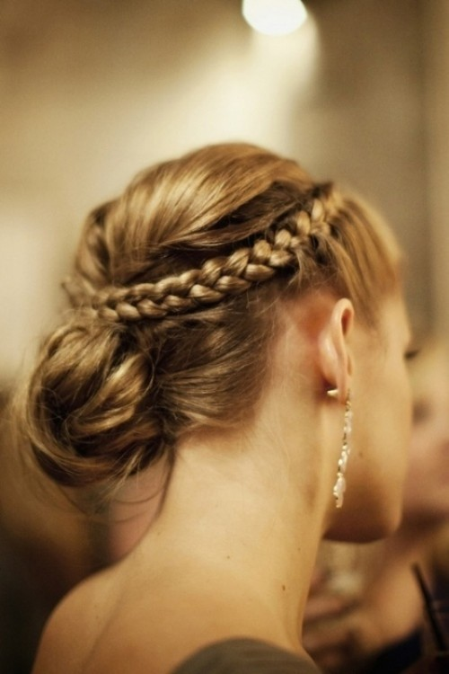Chic And Easy Windy Weather Hairdos