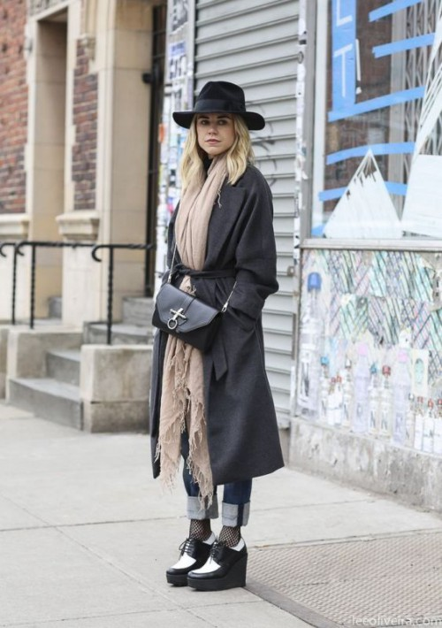 Chic Belted Scarf Trend To Try This Fall And Winter