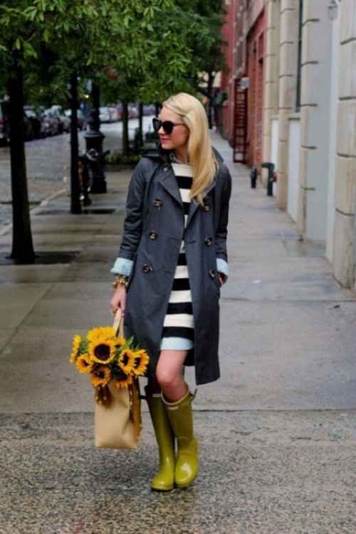 15 Chic Ways To Wear Rain Boots This Fall