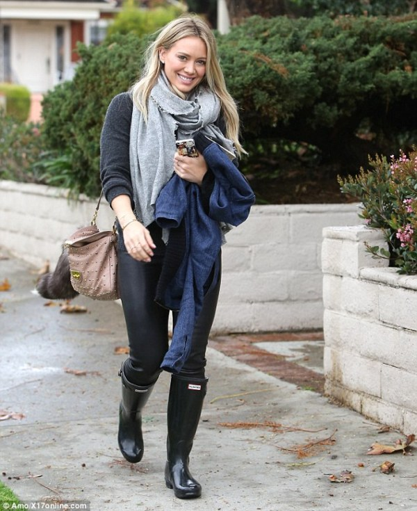 Picture Of chic ways to wear rain boots this fall  14