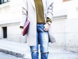 15-cool-ways-to-style-a-simple-sweater-for-spring-7