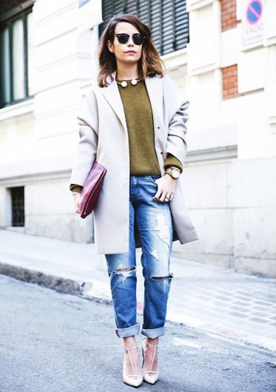 Picture Of cool ways to style a simple sweater for spring  7