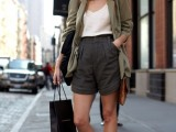 15-fashionable-ways-to-style-bermuda-shorts-this-summer-13