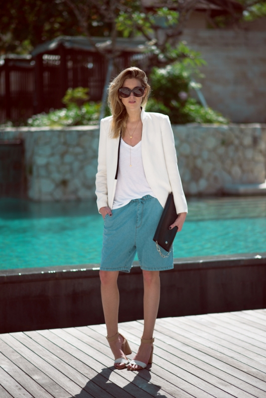 Picture Of fashionable ways to style bermuda shorts this summer  4