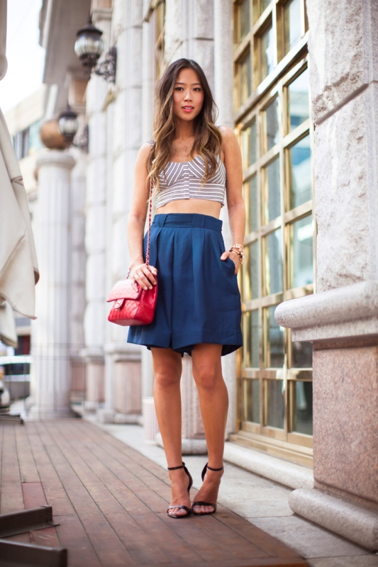 Picture Of fashionable ways to style bermuda shorts this summer  5