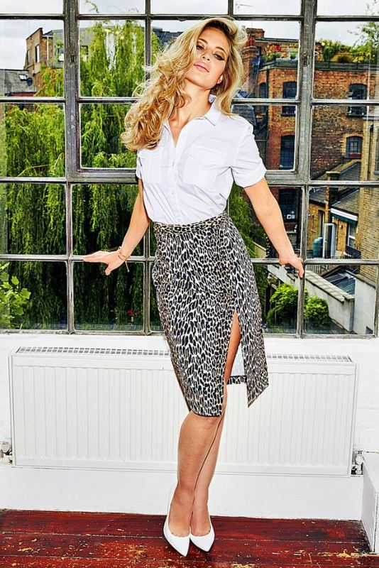 Picture Of new and trendy ways to wear leopard print  10