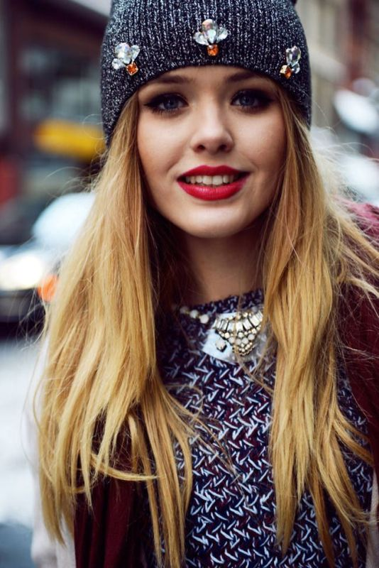 Picture Of ways to style your hair under a hat  1