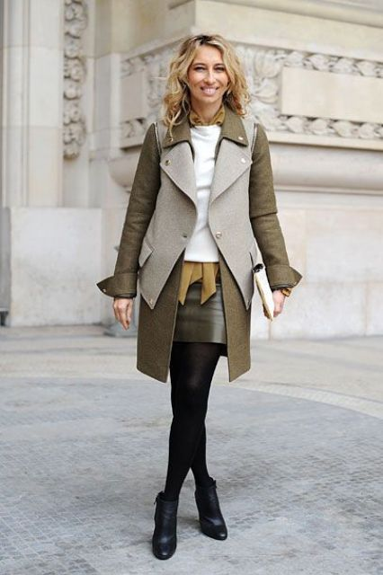 Picture Of Fall Outfits With Two Tone Coats 3