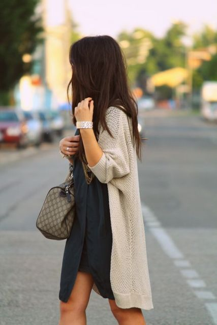 Feminine Long Cardigan And Dress Combinations For Fall