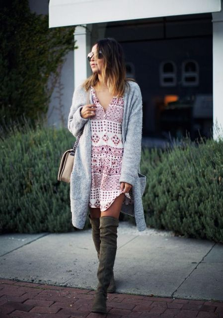 Picture Of Feminine Long Cardigan And Dress Combinations For Fall 7