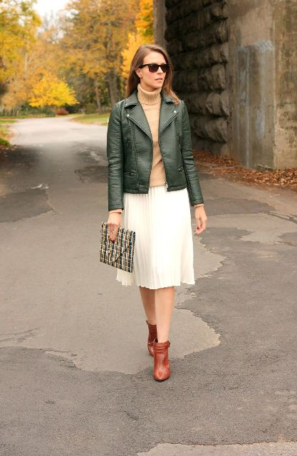 Picture Of Feminine Pleated Midi Skirt Outfits For Fall And Winter 13