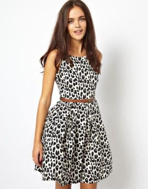 Picture Of Office Bright Women Outfits With Animal Prints 14