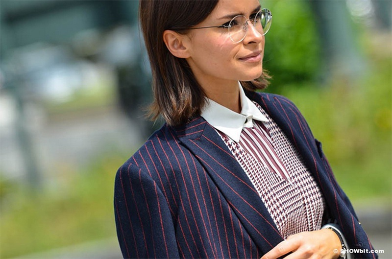 Picture Of stunning ways to wear glasses now  12