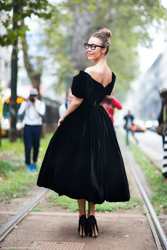 Picture Of stunning ways to wear glasses now  7
