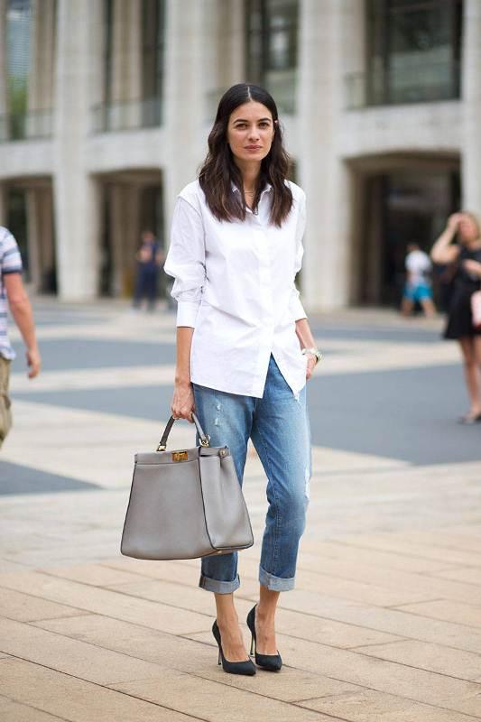 Picture Of crisp shirt and boyfriends jeans combo ideas  1
