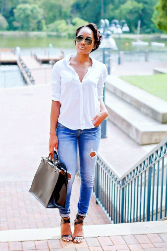 Picture Of crisp shirt and boyfriends jeans combo ideas  10