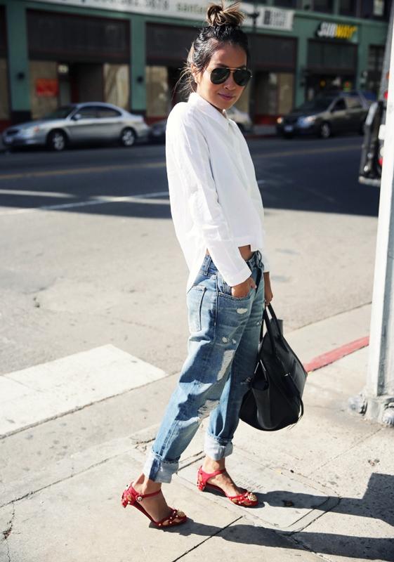 Picture Of crisp shirt and boyfriends jeans combo ideas  7