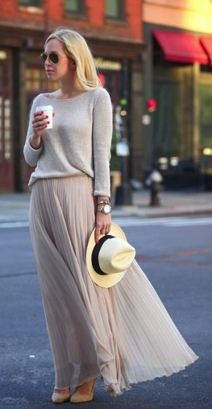 Picture Of fabulous ways to wear full and sassy maxi skirts this fall  13