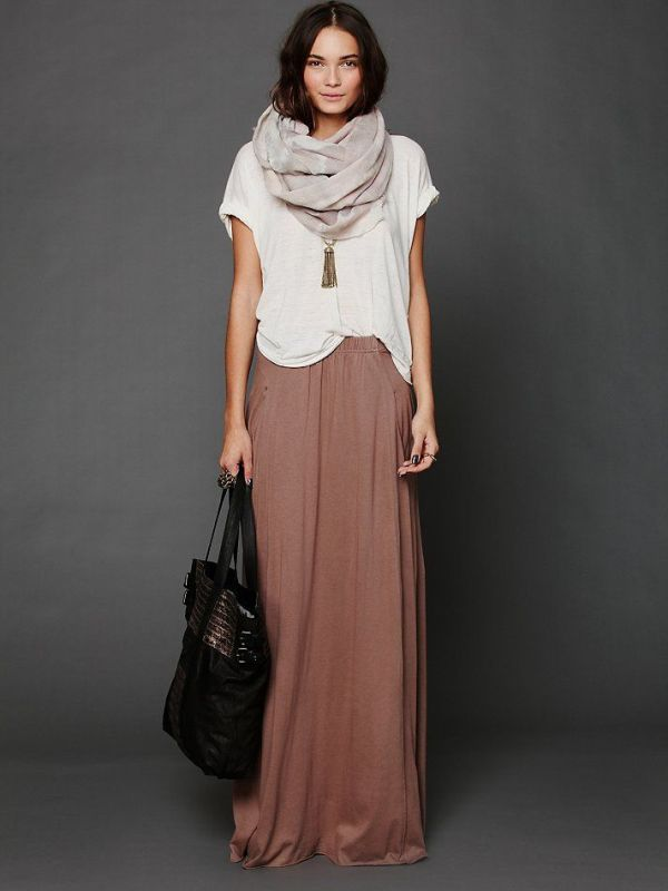 Picture Of fabulous ways to wear full and sassy maxi skirts this fall  16