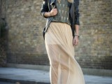 17-fabulous-ways-to-wear-full-and-sassy-maxi-skirts-this-fall-5