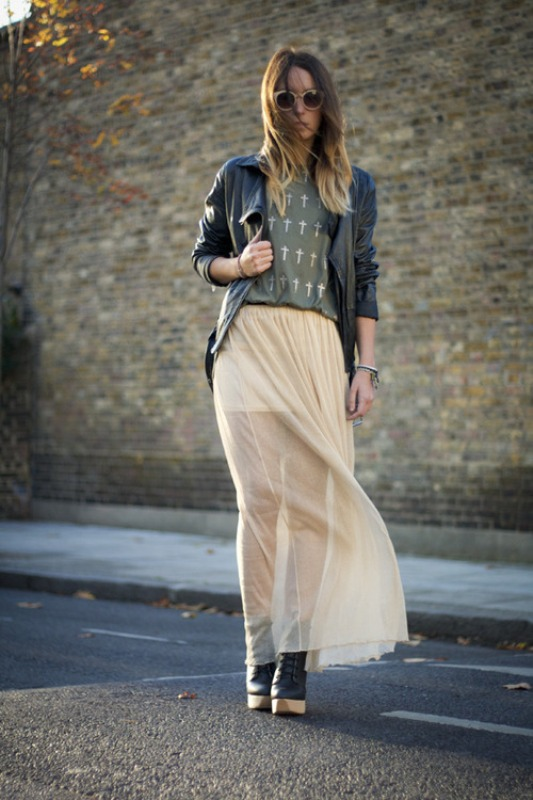 Picture Of fabulous ways to wear full and sassy maxi skirts this fall  5