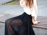 17-fabulous-ways-to-wear-full-and-sassy-maxi-skirts-this-fall-6