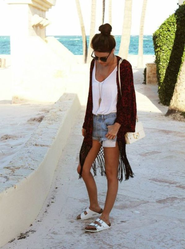 Picture Of really stylish ways to wear birkenstocks this summer  14