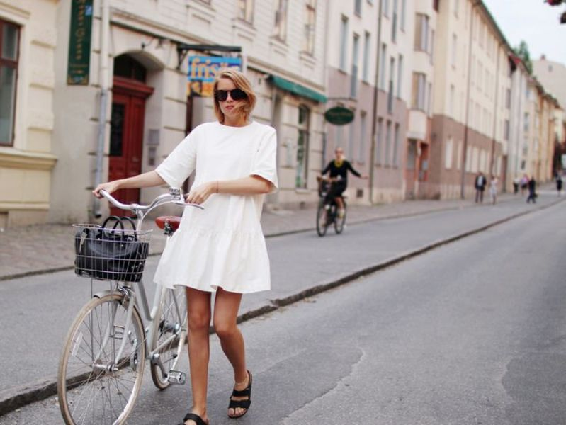 Picture Of really stylish ways to wear birkenstocks this summer  7