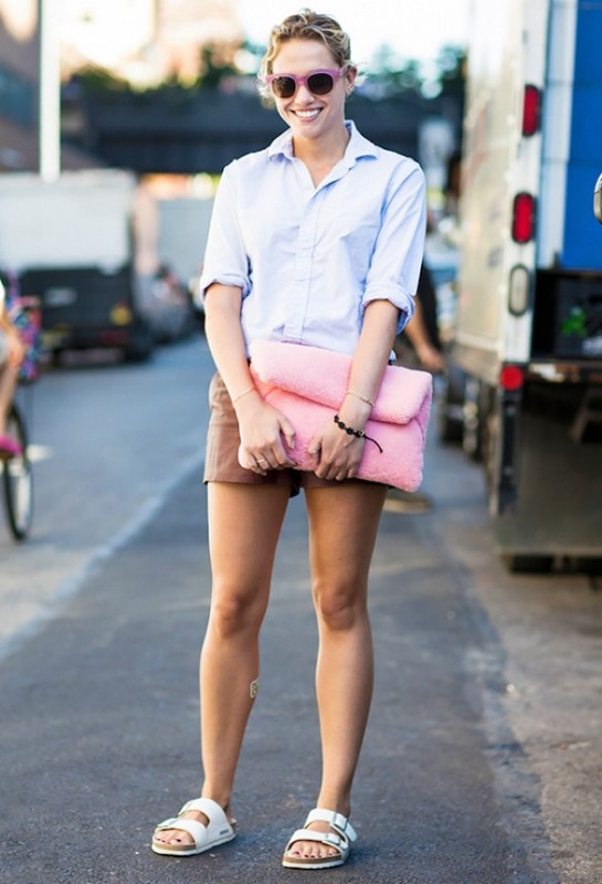 Picture Of really stylish ways to wear birkenstocks this summer  8
