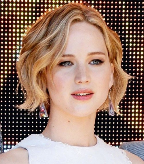 17 Trendiest Chin-Length Hairstyles To Try - Styleoholic