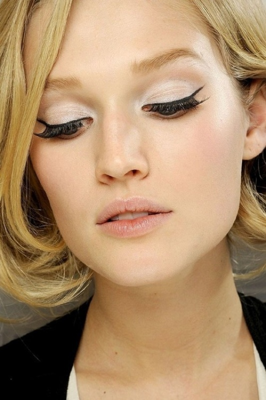 Picture Of unique holiday party makeup looks that dont involve glitter  2