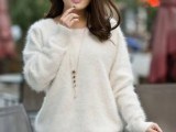 18 Comfy Fall Outfit Ideas With A Fuzzy Sweater14