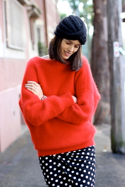18 Comfy Fall Outfit Ideas With A Fuzzy Sweater