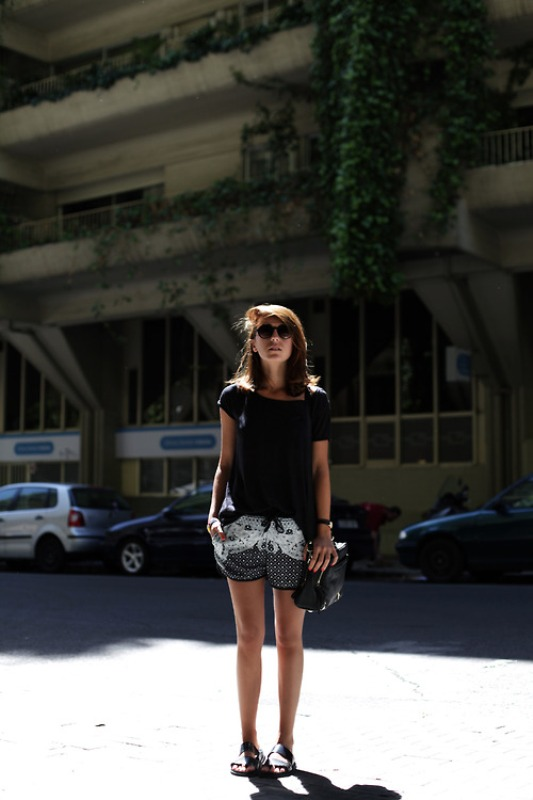 Picture Of chic ways to rock printed shorts this summer  11