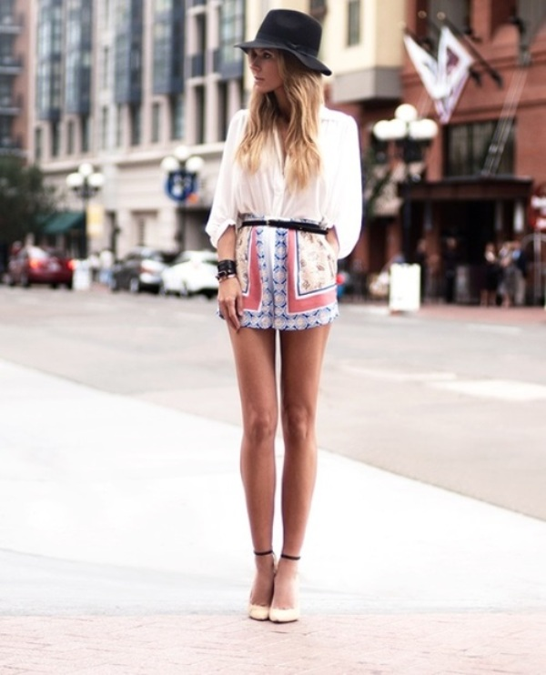 Picture Of chic ways to rock printed shorts this summer  14
