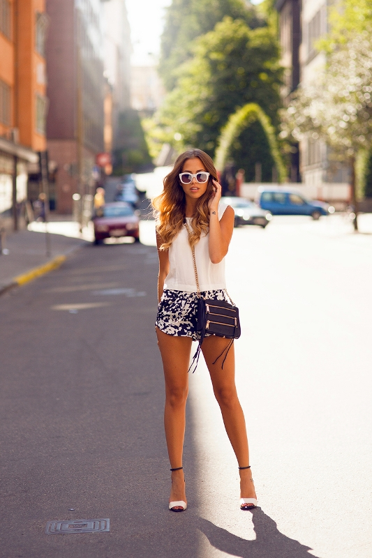 Picture Of chic ways to rock printed shorts this summer  15