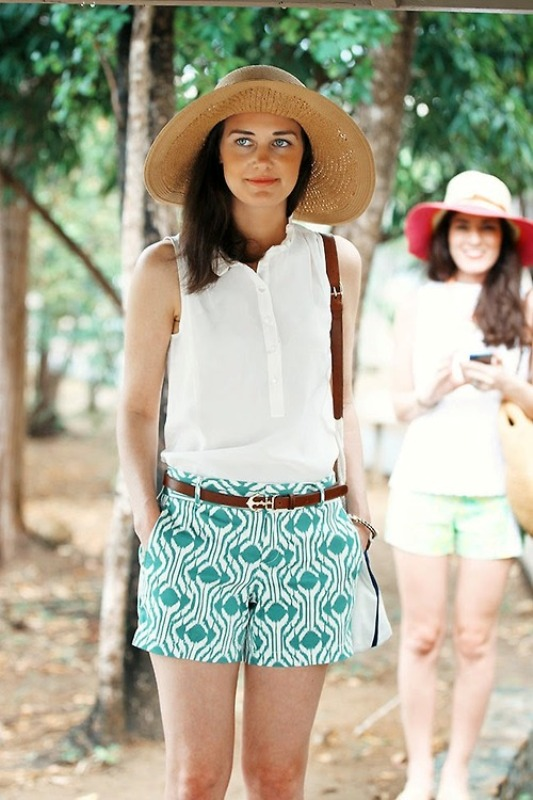 Picture Of chic ways to rock printed shorts this summer  16