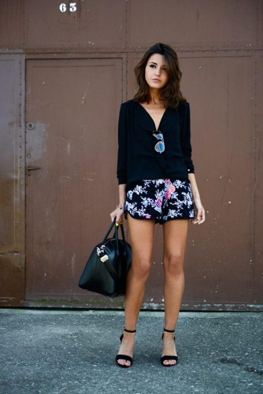 Picture Of chic ways to rock printed shorts this summer  17