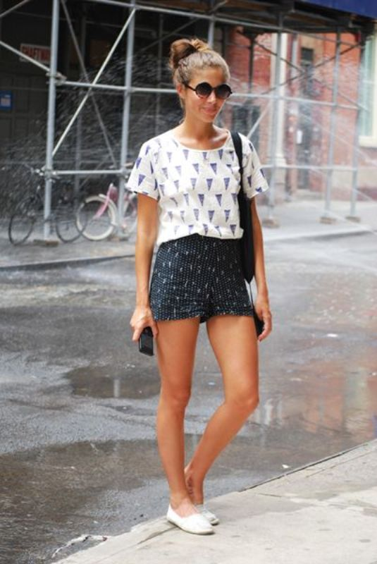 Picture Of chic ways to rock printed shorts this summer  4