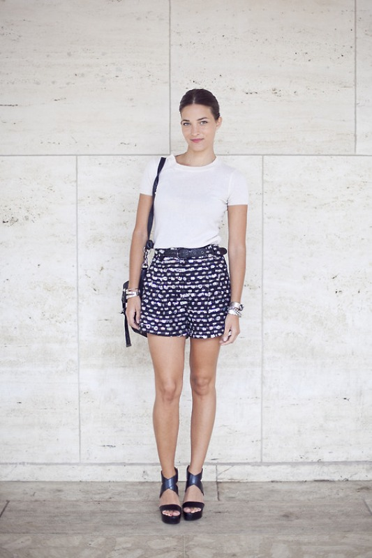 Picture Of chic ways to rock printed shorts this summer  6