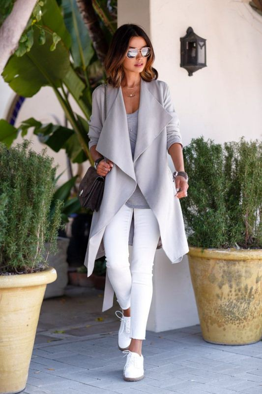 Picture Of pretty ways to transition your white jeans for fall  13