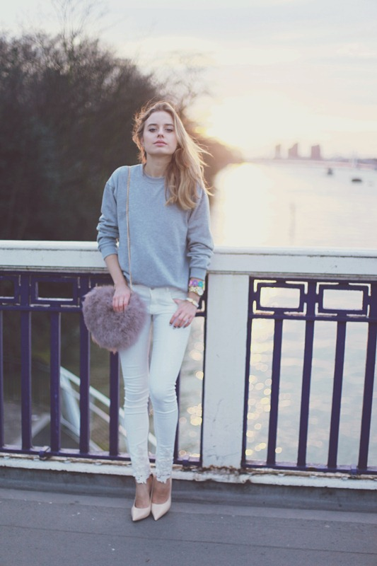 Picture Of pretty ways to transition your white jeans for fall  18