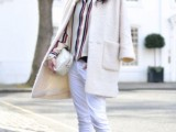 18-pretty-ways-to-transition-your-white-jeans-for-fall-5