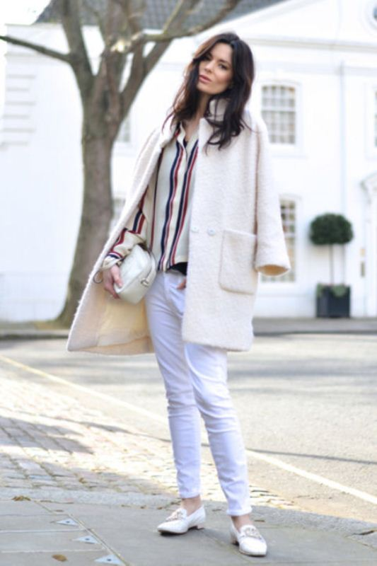 Picture Of pretty ways to transition your white jeans for fall  5