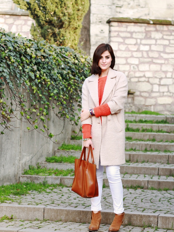 Picture Of pretty ways to transition your white jeans for fall  8