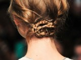 18-stylish-and-fuss-free-hairstyles-for-every-workout-17